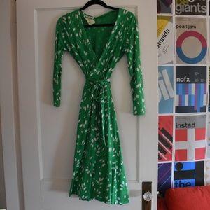 Amazing vintage Diane Von Furstenberg wrap dress!